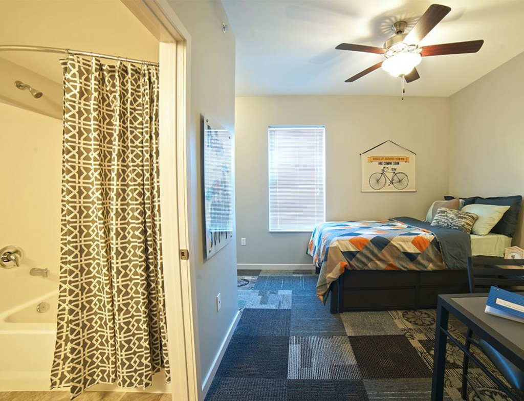 4 bedroom student housing off campus apartment edwardsville il greenhill apartments at for One bedroom apartments in edwardsville il
